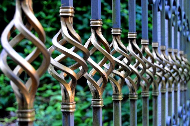 Pourquoi est-il nécessaire d'avoir une clôture et un portail ?